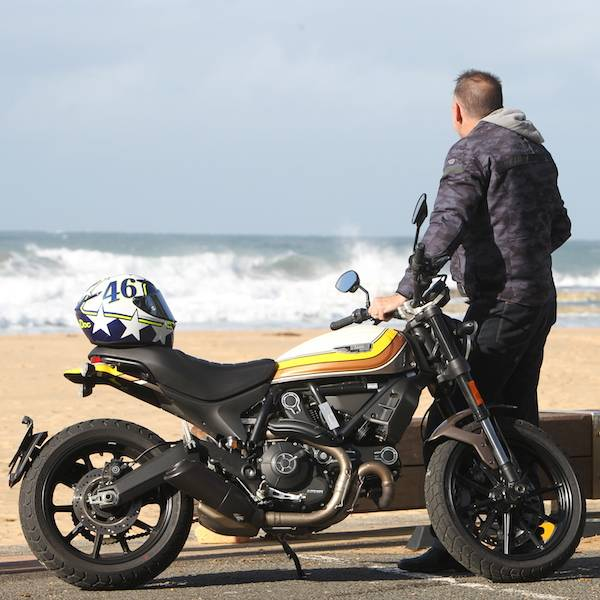 The Right Gear: 5 Essentials for Motorcycle Safety